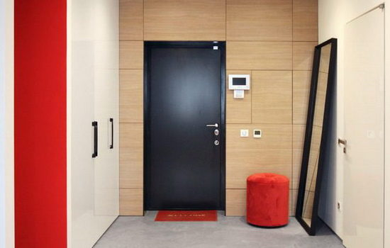 dvojnye-vhodnye-metallicheskie-dveri-prednaznachenie-konstruktsiya-rekomendatsii-po-ustanovke-7170397