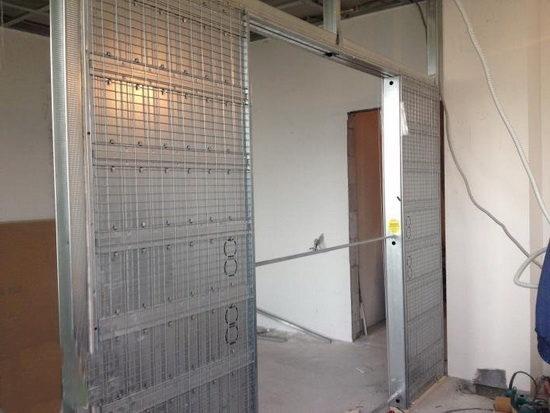 Двухсторонняя кассета под две раздвижные двери