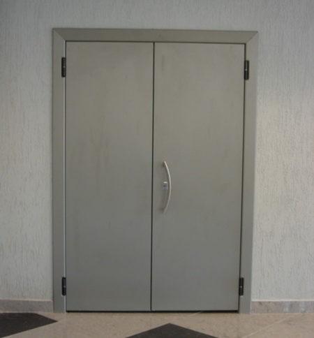 Двупольная дверь, отделка порошковое напыление