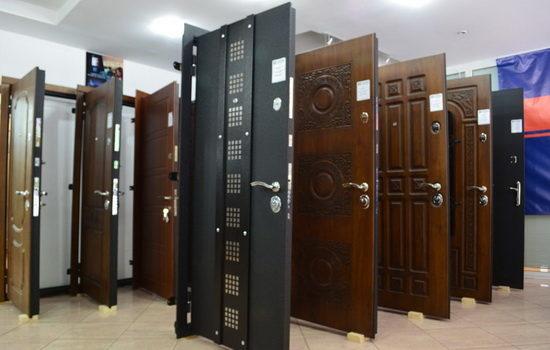 kak-vybrat-metallicheskuyu-vhodnuyu-dver-v-kvartiru-6669725