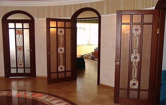 mezhkomnatnye-elitnye-dveri-iz-dereva-vidy-osobennosti-harakteristiki-6031432
