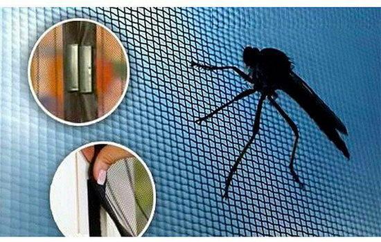 moskitnaya-magnitnaya-setka-na-dver-balkona-zashhishhaemsya-ot-komarov-s-komfortom-7573815