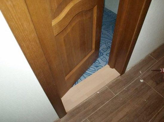 Порожек на входе в ванную комнату - насущная необходимость