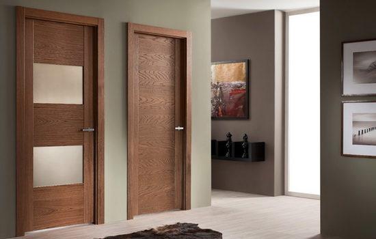 Шпонированные межкомнатные двери в интерьере квартиры