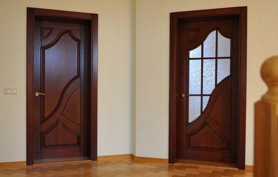 Отличия межкомнатных дверей по материалу изготовления