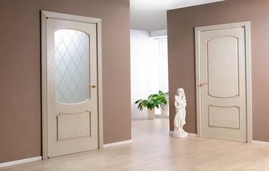 Межкомнатные двери светлого цвета