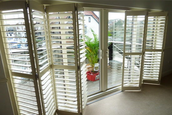 tracked_shutters_4-5816507