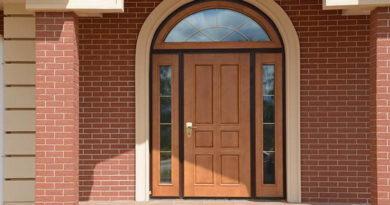 Как выбрать пластиковую входную дверь в частный дом