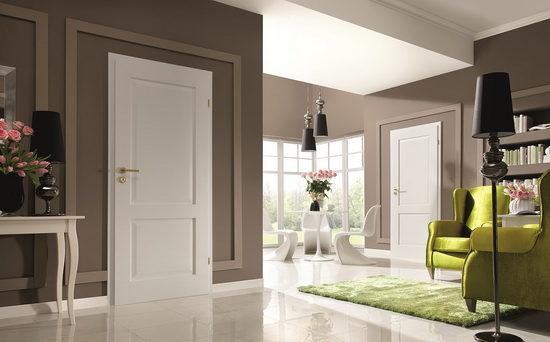 belyj-cvet-pola-plintusov-i-dverej-6765474