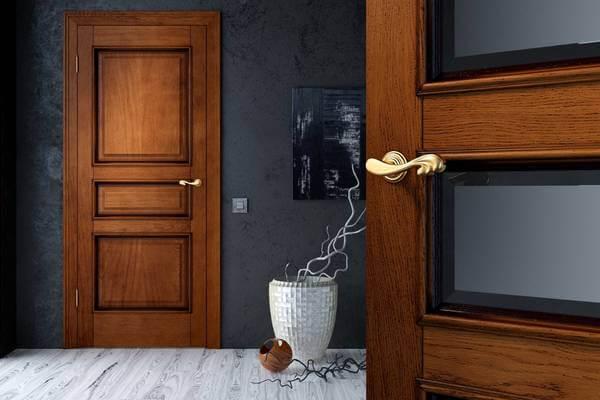 отличия межкомнатной двери из натурального массива из дуба и шпона
