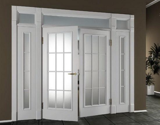 svetlye-dveri-v-interere-s-ottenkom-rozovogo-9663255