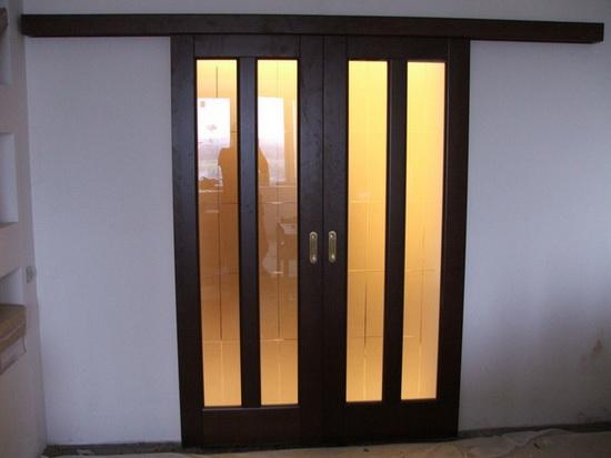 Какой материал выбрать для нестандартной двери
