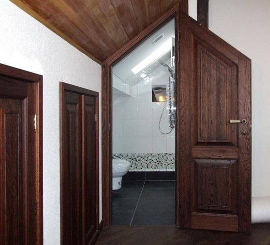 Дверь из цельного массива нестандартной формы и размеров