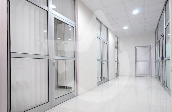 Какой алюминиевый профиль выбрать для межкомнатной двери