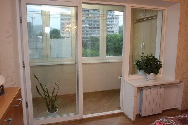 Межкомнатная дверь с теплым профилем для балкона
