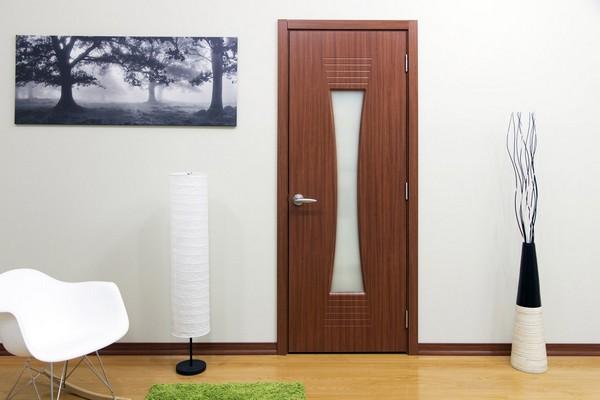 Выбор цвета двери, ламината и плинтуса