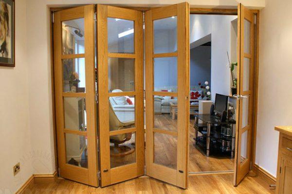 межкомнатные двери гармошки: виды, преимущества и недостатки