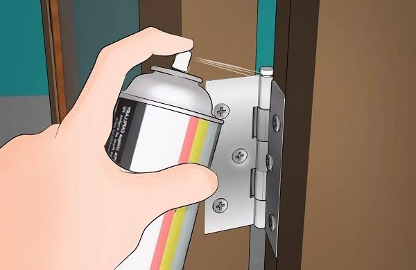 Устранение скрипа у петель входной металлической двери