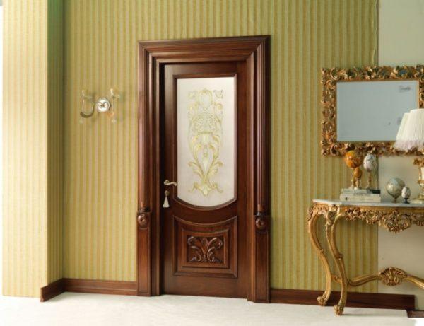 dveri-italjanskij-oreh-696x535