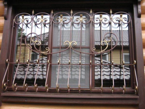 metallicheskie-reshetki-na-okna-foto-opisanie-izgotovlenie-i-montazh