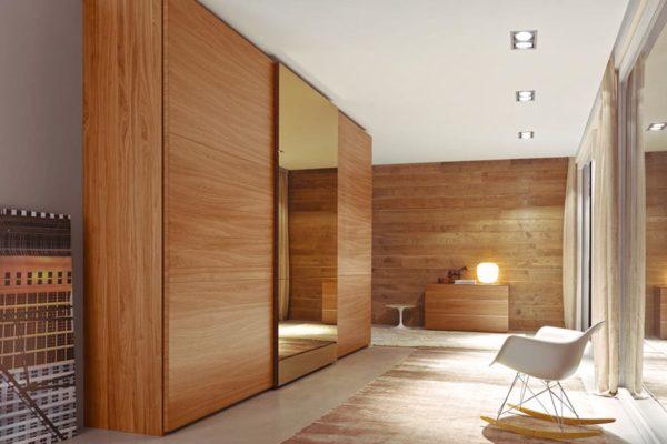 шкафы из дерева в интерьере