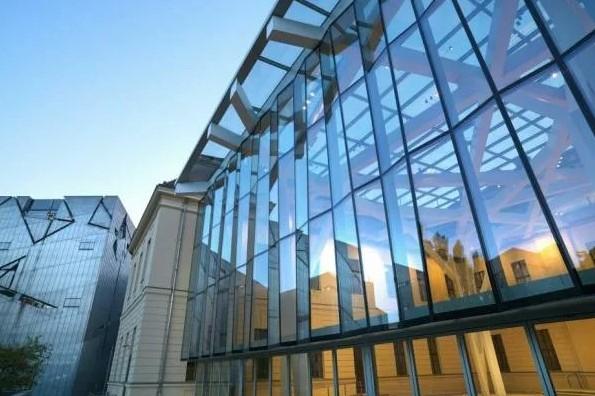 Светопрозрачные стеклянные конструкции